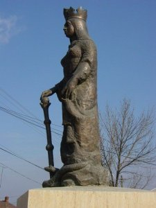 Statuia Doamnei Chiajna (1525-1588) din localitatea Chiajna, judetul Ilfov