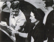 Regele Eduard al Angliei si Wallis Simpson, la urcarea pe Iahtul Nahlin