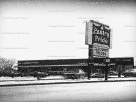 Supermarketul in care a fost ucis si transat romanul